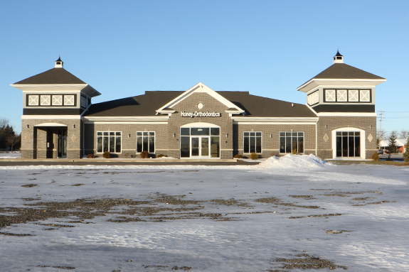 Office-Tour-Exterior-Honey-Orthodontics-Gurnee-IL