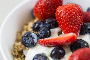 oatmeal with fruit and yogurt inside